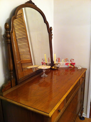 antique dresser side